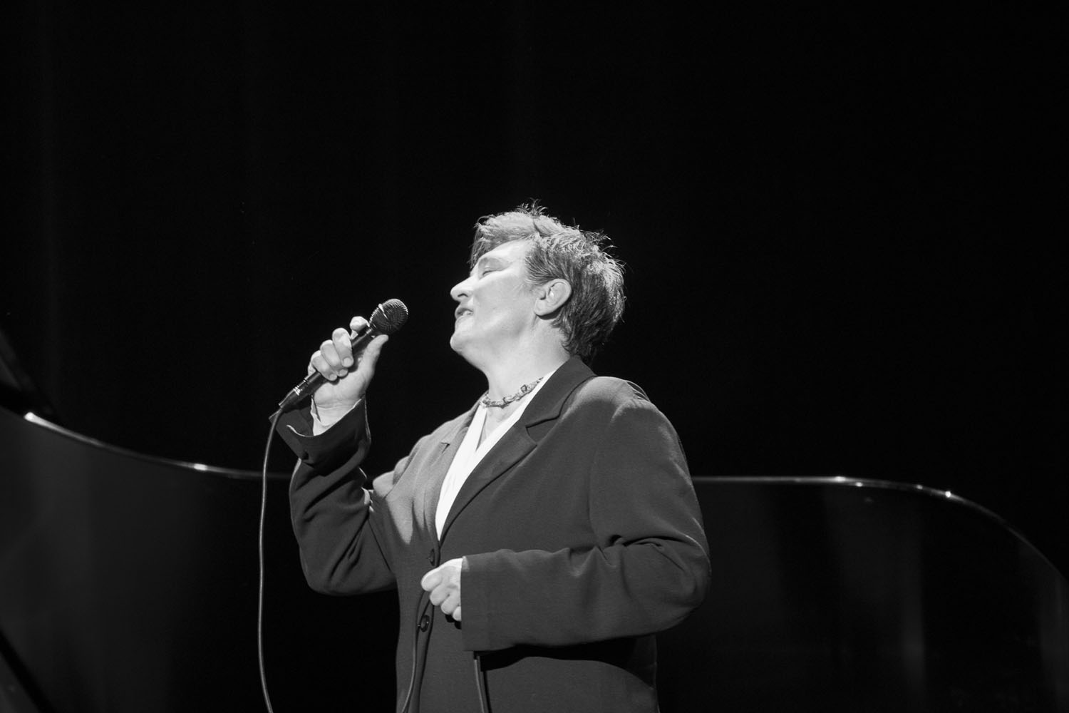 Yes, k.d. lang really does photograph this well.